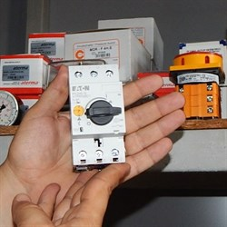 Переключатель защиты электродвигателя 10-16А PKZM 0-16 - фото 6226